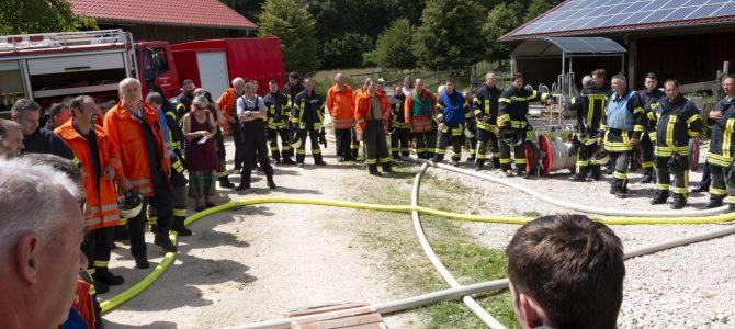Feuerwehr stellt trotz Wassermangel ihre Leistungsstärke unter Beweis